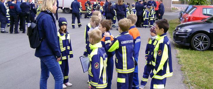 Die Kinderfeuerwehr Hoiersdorf gratuliert der Kinderfeuerwehr Jerxheim zum ersten Geburtstag!