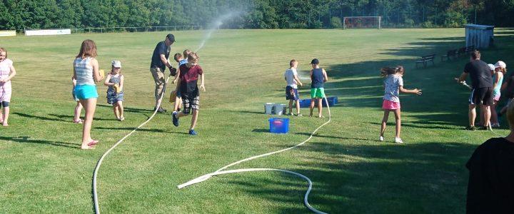 Gemeinsamer Dienst der Jugend- und Kinderfeuerwehr – Wasserspiele 😉